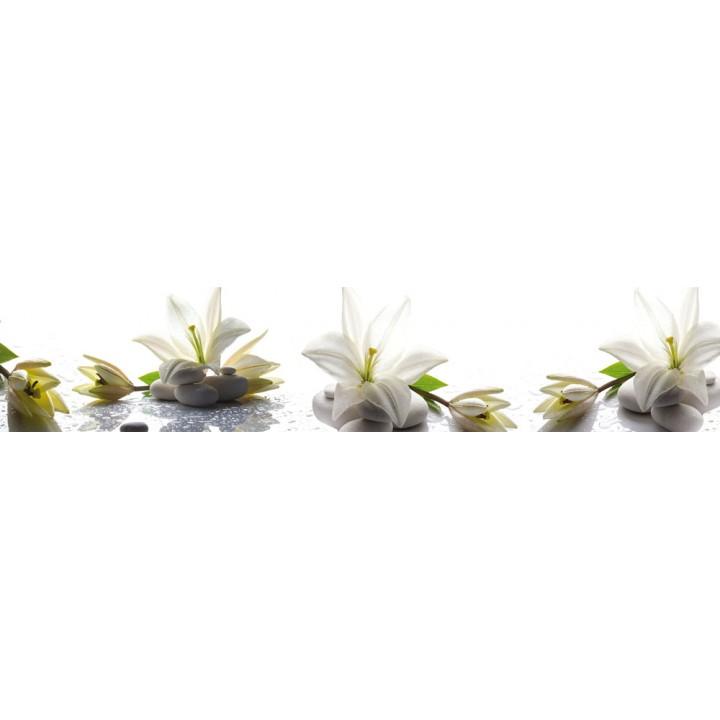 Кухонный фартук Лилии на камнях